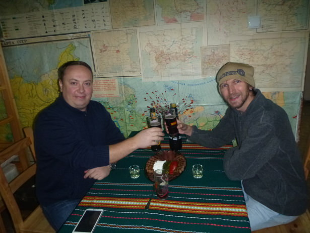 Cheers with Nick - drinks and food on my arrival into 10 Coins Hostel.