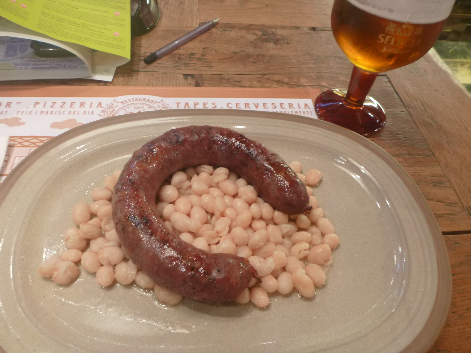 Friday 39 s featured food sausages and beans in bar 120 for Andorran cuisine