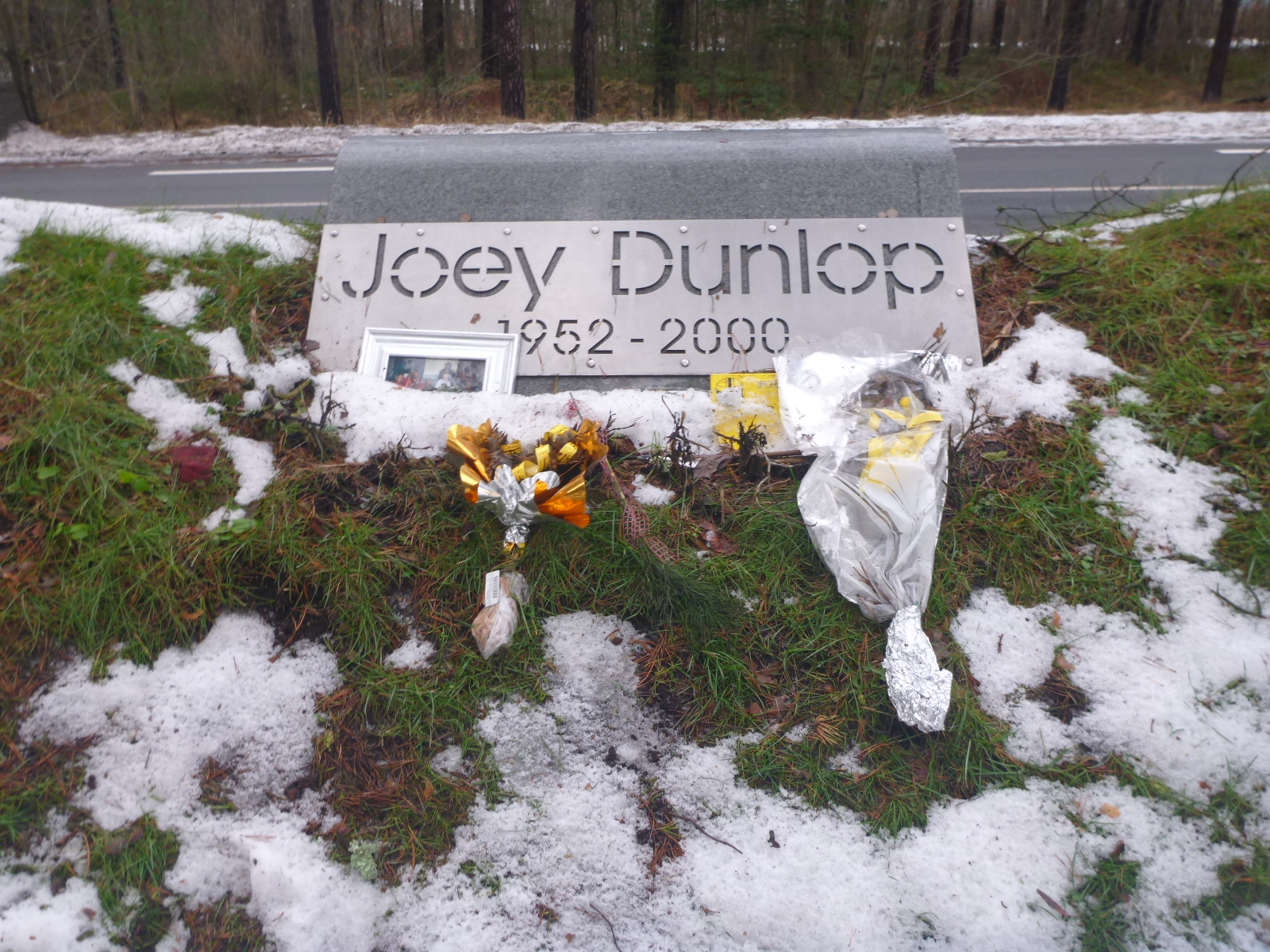 getting to joey dunlop memorial