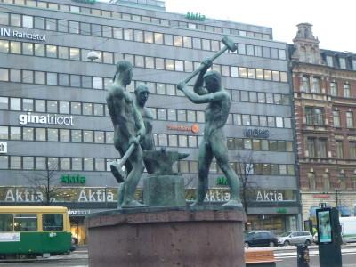 Finnish workers statue in Helsinki