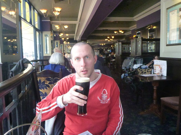 Lee with his Guinness in the Square Peg