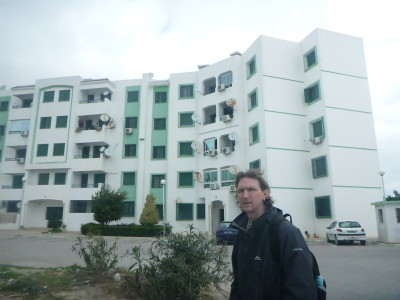 Couchsurfing in Tunisia: Staying with Dhia in Essaidia, Tunis