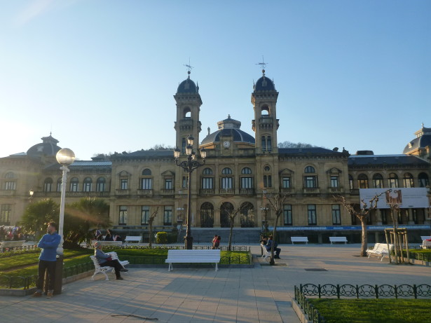 Backpacking in the Basque Country: Staying at the Urban House Hostel in Donostia (San Sebastian)