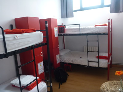 My red and black coloured dorm room