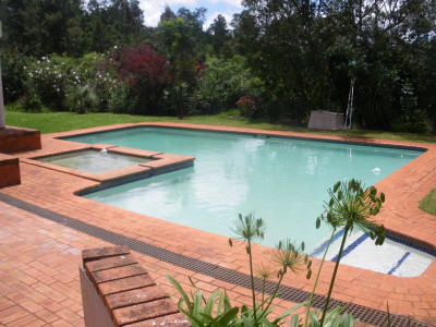 The awesome pool by Swaziland Backpackers