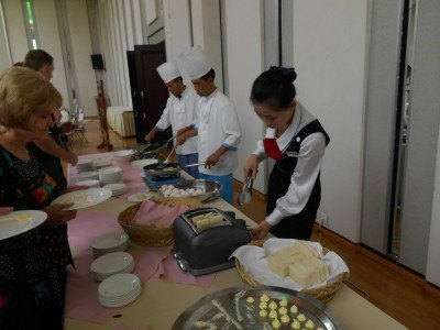 Chefs in the morning at the Yanggakdo