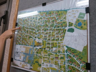 So where are we again? Yes, you can get lost in Mizra Kibbutz!