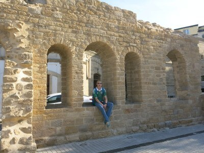 Backpacking in Azerbaijan: Baku's Old City walls