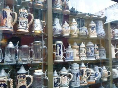 Beer containers in Kobenhavneren: Old Danish Pub