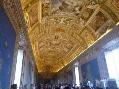 Galleria dei Candelabri and the Maps Gallery
