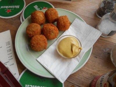 Koketten in Cafe Stevens, Amsterdam, Netherlands
