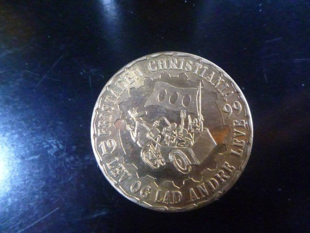 A 1 LON coin - legal tender in Freetown Christiania