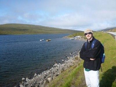Walking from Vatnsoyrar to Midvagur