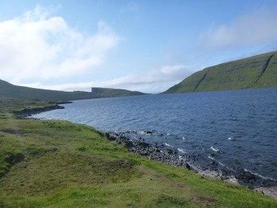Hiking to Traelanipa