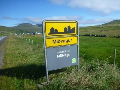 Arrival in the village of Midvagur