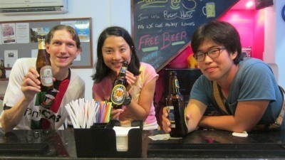 Drinking with Hiro and Daeuk in Hanoi Backpackers in Vietnam
