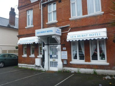 Backpacking in England: Staying at the Lea Hurst Hotel, Bournemouth
