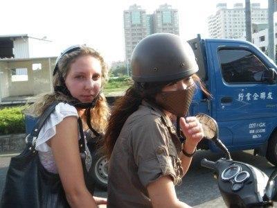 Motorcycling through Tainan city!
