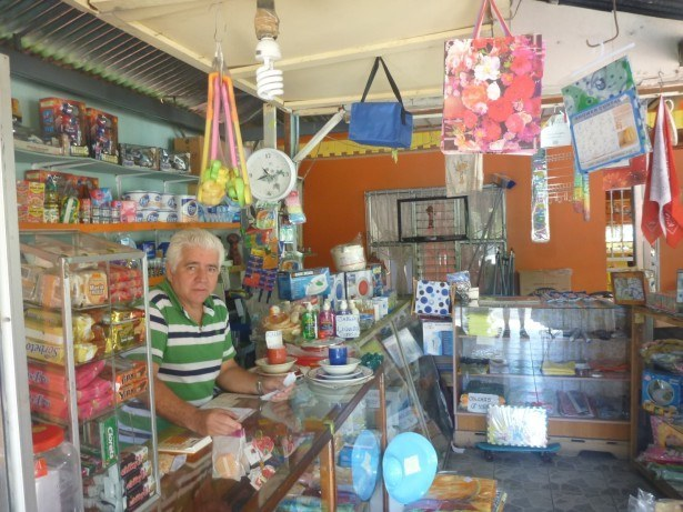 Shopkeeper in Grecia
