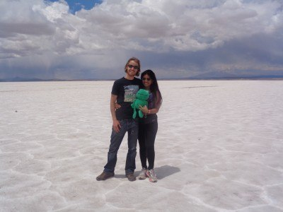 ​World Travellers: Kach and Jonathan, Two Monkeys Travel at Salar de Uyuni in Bolivia