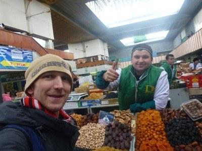 Friendly locals in the Zelyong Bazaar (Green Market)