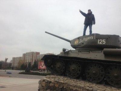 Pol backpacking through Tiraspol, Transnistria!