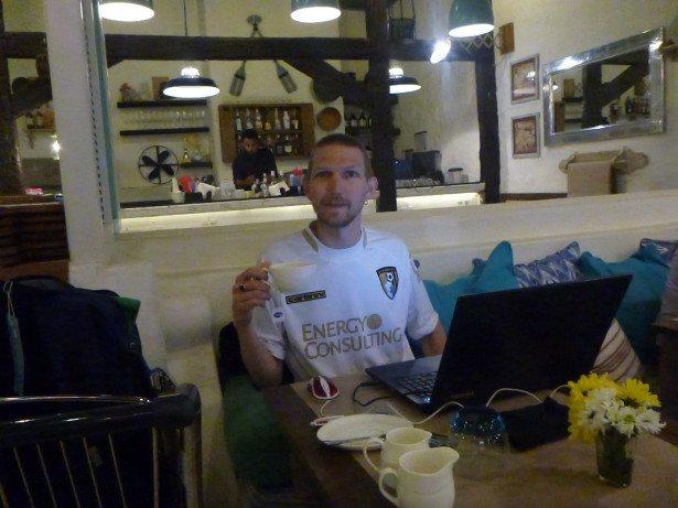 Travel Blogging in India (Mumbai Airport)