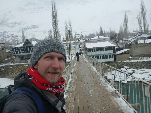 crossing Ghund River, Khorog