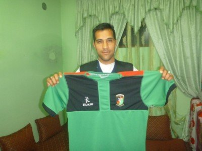 Reza with mhy Glentoran shirt