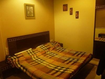 My room at the Smyle Inn