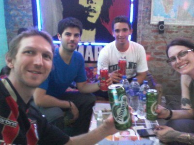 A beer with my hostel buddies!
