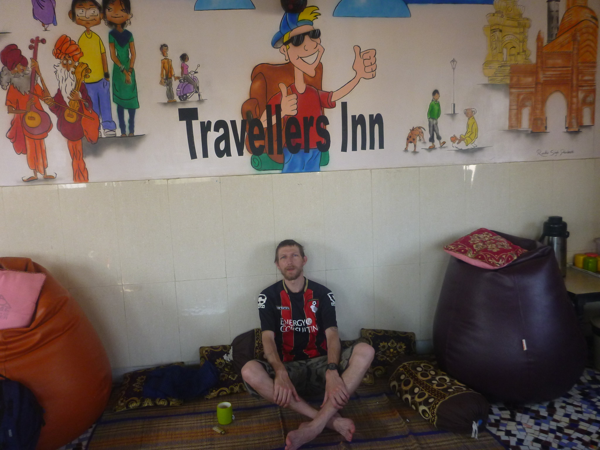 Backpacking in India: Staying at the Travellers Inn, Mumbai