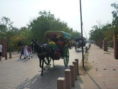 The road to the Taj Mahal, Agra, India