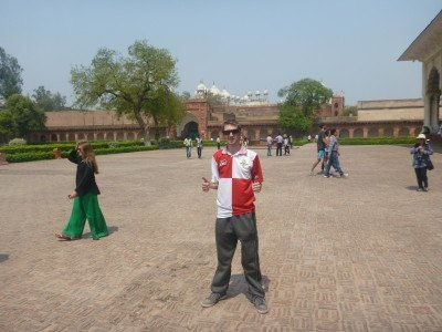 Backpacking in India: Touring Agra Fort with Delhi Magic Tours