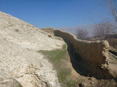 Further round the Buddhist ruins