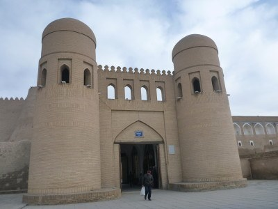 Downtown Khiva/Qhiva - so lonely and desrted.