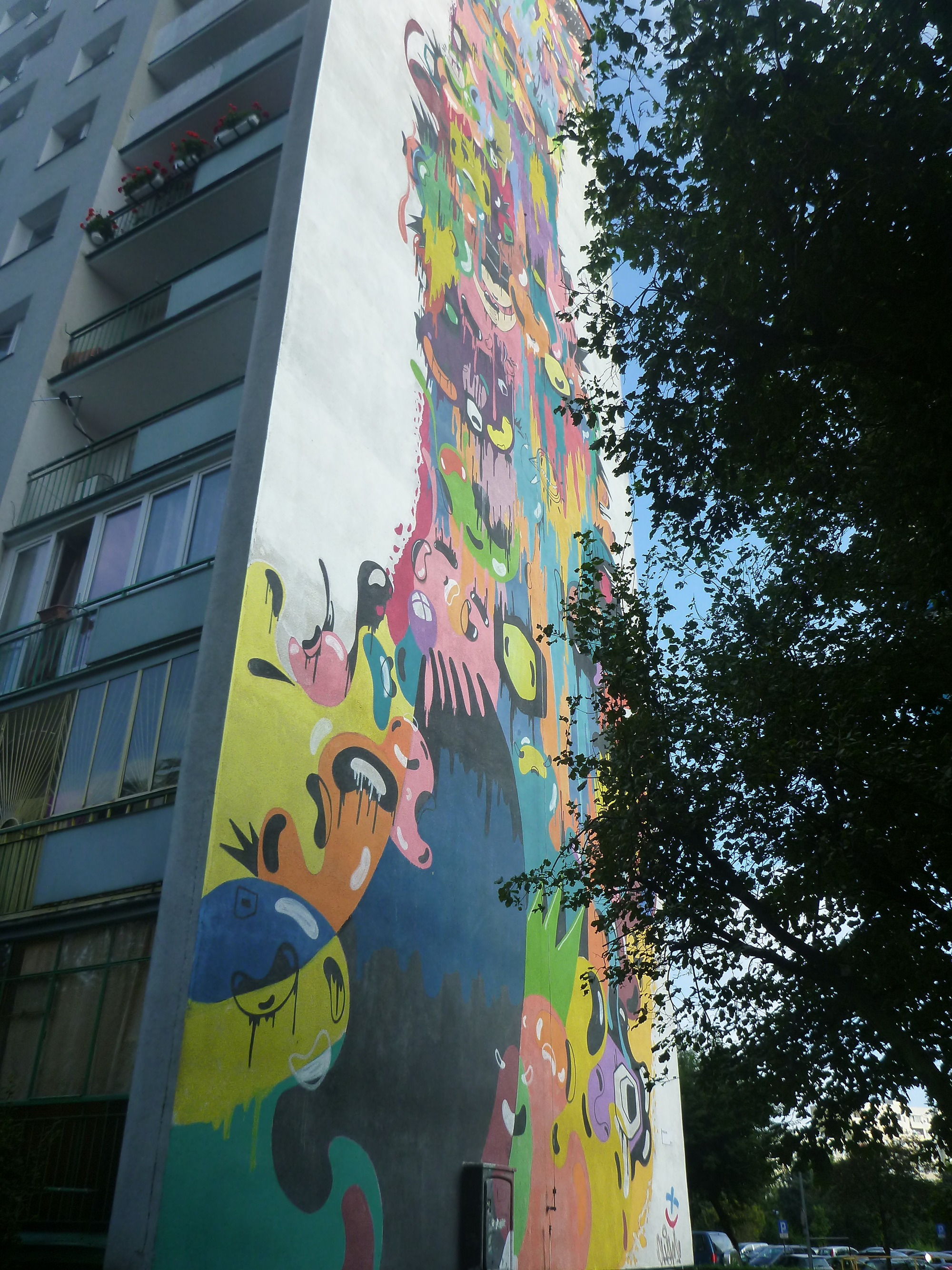 touring the artistic wall murals in the district of zaspa gdańsk
