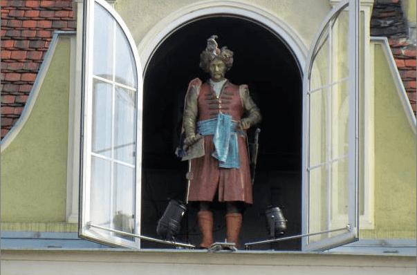 Master Twardowski statue