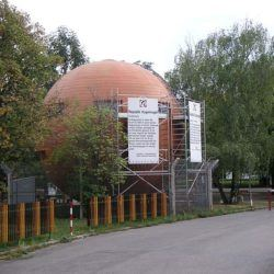 Backpacking in Kugel Mugel: A Spherical House Republic in Vienna