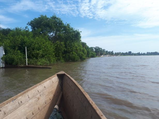 Crossing Lake Togo from (Unknown southern town) to Togoville