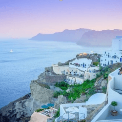 5 Reasons Why Santorini is the Best for a Romantic Holiday