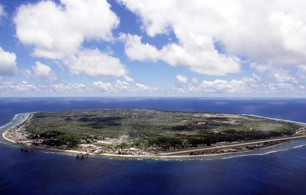 Nauru backpacking tourist