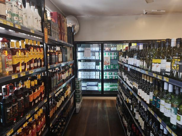 Ronave's Bottle Shop in Ewa