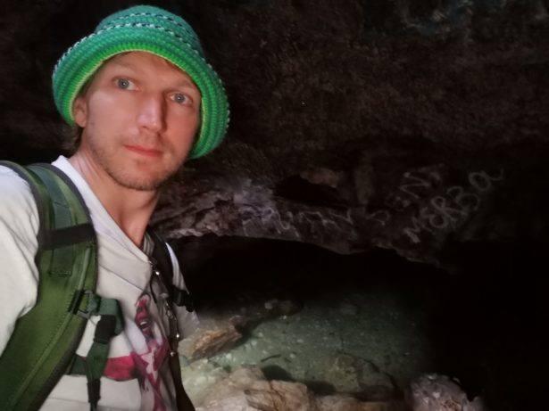 Secret caves of Boe