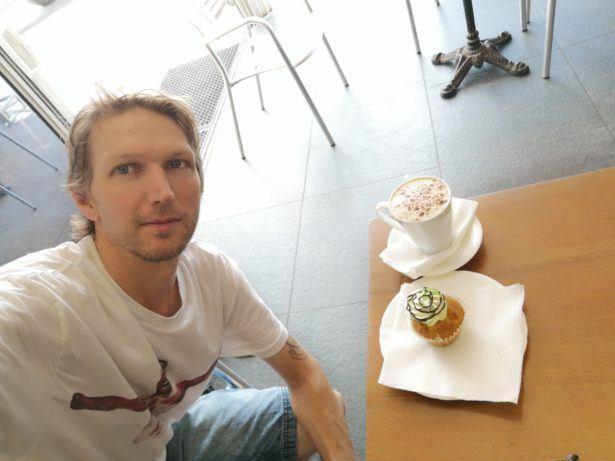 Tropicana Café, Ewa, Nauru